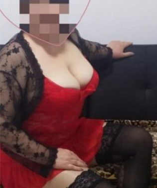 בת 40 מארחת בדירה פרטית דיסקרטית